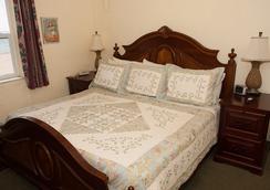 Manta Ray Inn - Hollywood - Bedroom