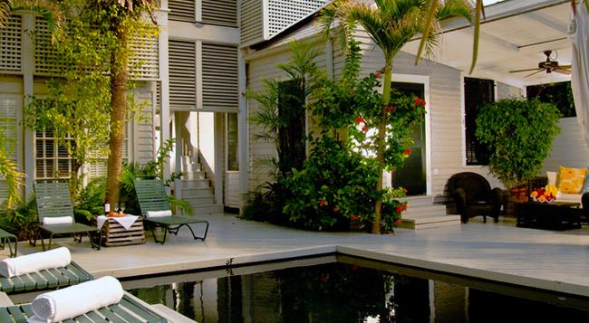 Simonton Court - Key West - Pool