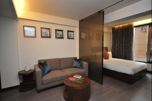 Shalom Serviced Apartments - Soho Central - Hong Kong - Living room