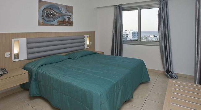 Vrissaki Hotel Apartments - Protaras - Bedroom