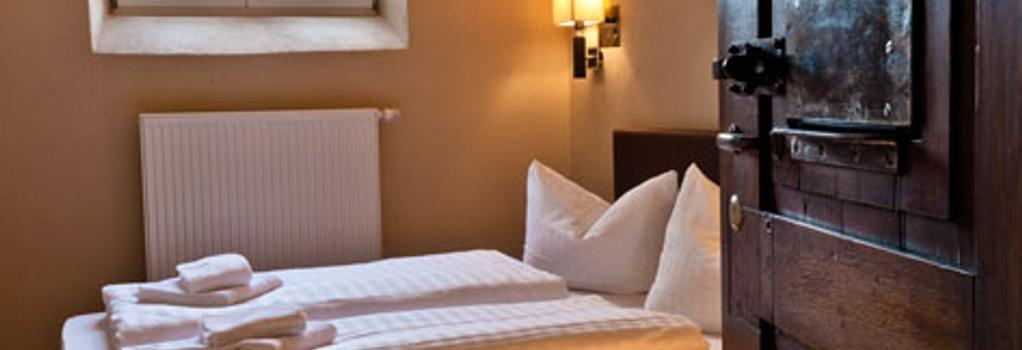 Hotel Fronfeste - Amberg - Bedroom