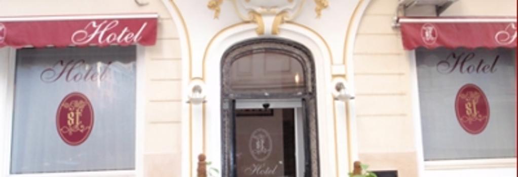 St Hotel - Algiers - Building