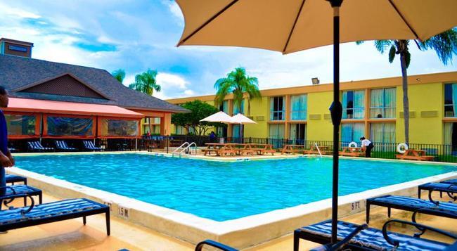 Floridian Express International Drive - Orlando - Pool