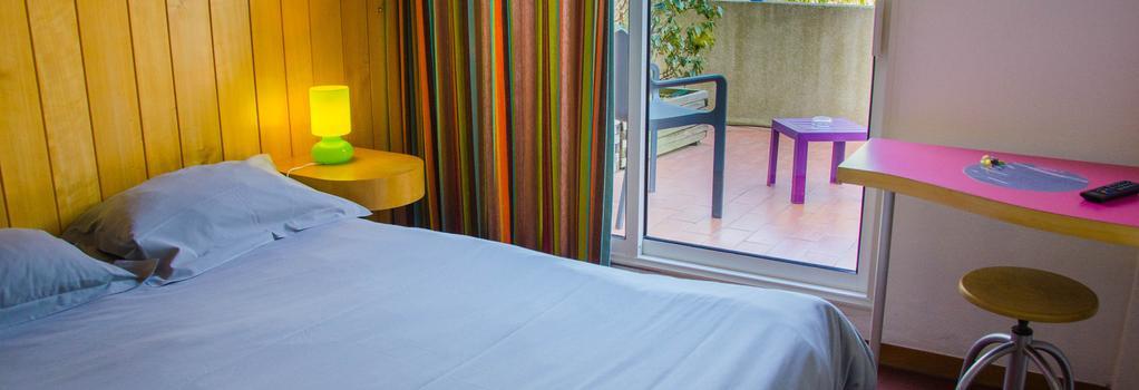 Hôtel California - Le Lavandou - Outdoor view