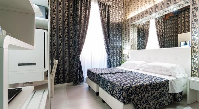Relais Trevi 95 Boutique Hotel - Rome - Bedroom