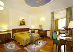Hotel Hiberia - Rome - Bedroom