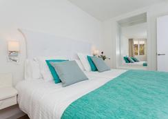 FERGUS Style Cala Blanca Suites - Santa Ponsa - Bedroom