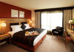 Clarion Hotel Dublin Liffey Valley - Dublin - Bedroom