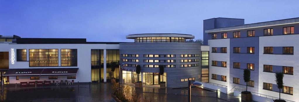 Clarion Hotel Dublin Liffey Valley - Dublin - Building