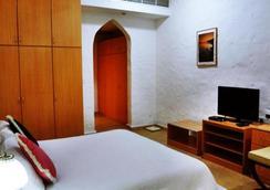 Safari Village Executive Suites - Muscat - Bedroom