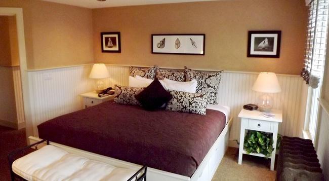 White Porch Inn - Provincetown - Bedroom