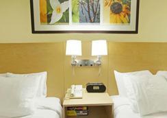 Hotel Nexus Seattle - Seattle - Bedroom