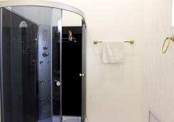 Art-khostel Sherlock homes - Krasnodar - Bathroom