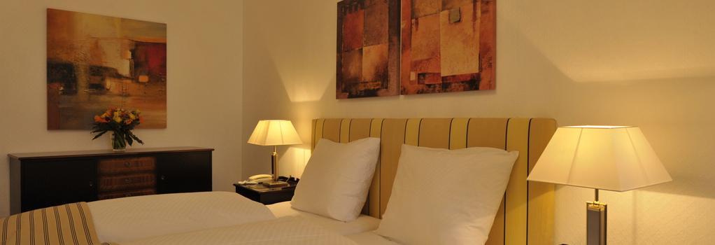 Hotel am Sophienpark - Baden-Baden - Bedroom