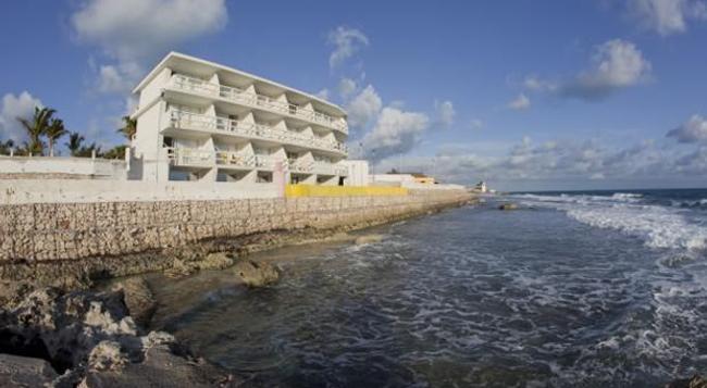 Rocamar - Isla Mujeres - Building