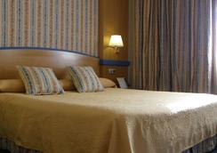 Hotel Gran Versalles - Madrid - Bedroom