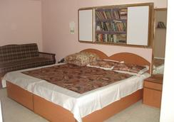 Sweet Holiday Home - New Delhi - Bedroom