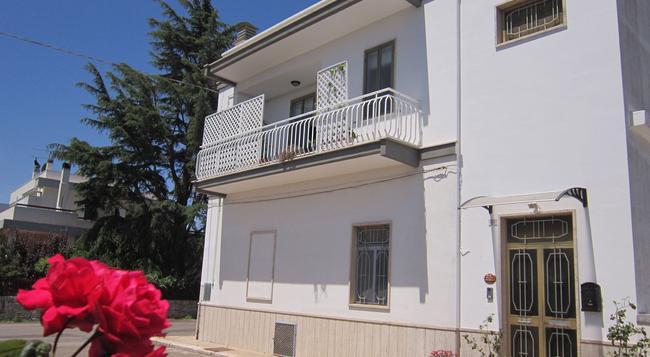 B&B Welcome To Alberobello - Alberobello - Building