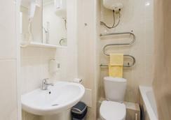Geser - Ulan-Ude - Bathroom