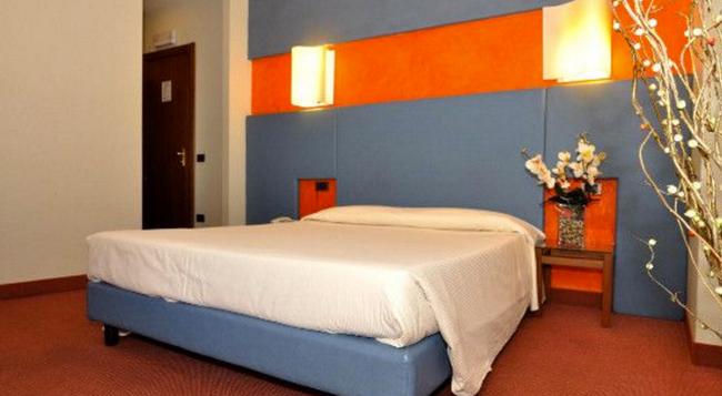Hotel Executive - Rome - Bedroom