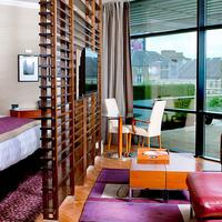 The Glasshouse Autograph Collection Guest room
