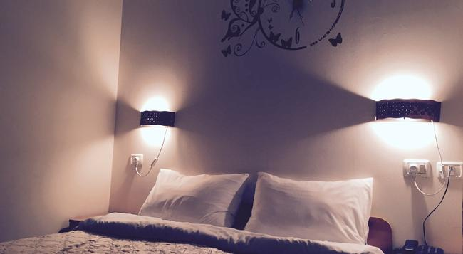 Sea Plaza Hotel - Haifa - Bedroom