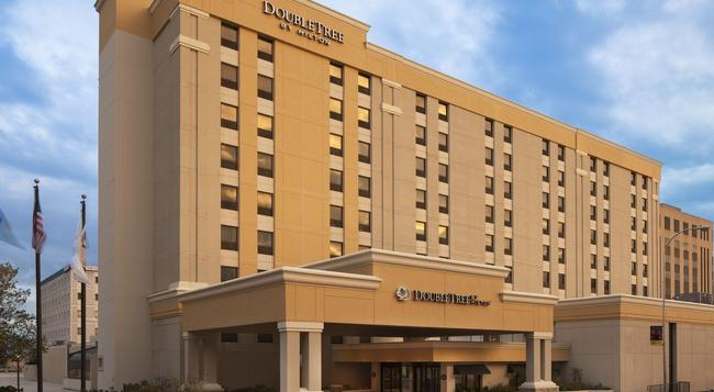 DoubleTree by Hilton Hotel Downtown Wilmington - Legal District - Wilmington - Building