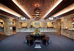 The Oread - Lawrence - Living room