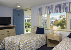 Colony Beach Motel - Dennis Port - Bedroom