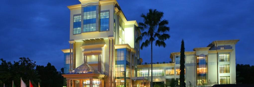 The Royale Gardens Hotel - Alappuzha - Building