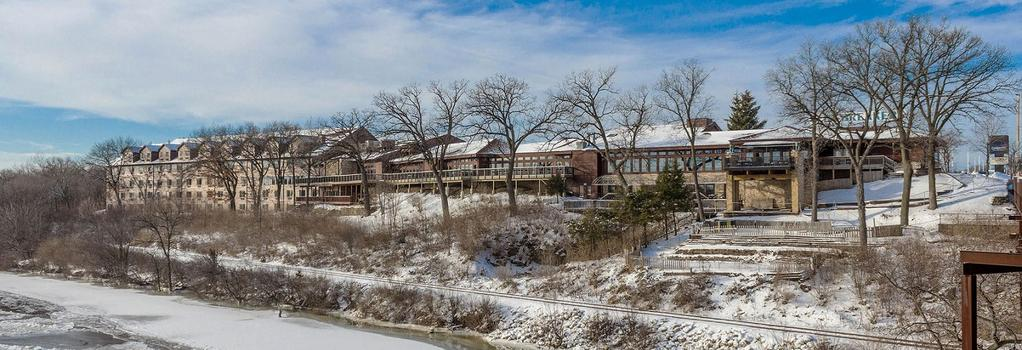 Cliffbreakers Hotel & Conference Center - Rockford - Building