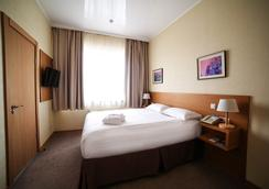 City Hotel Bishkek - Bishkek - Bedroom