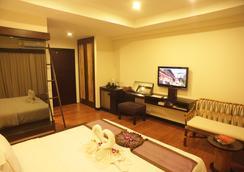 Bamboo House Phuket - Karon - Bedroom