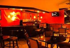 Garden Inn & Suites - Queens - Bar