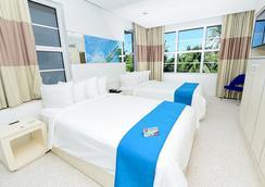 Clevelander Hotel - Miami Beach - Bedroom