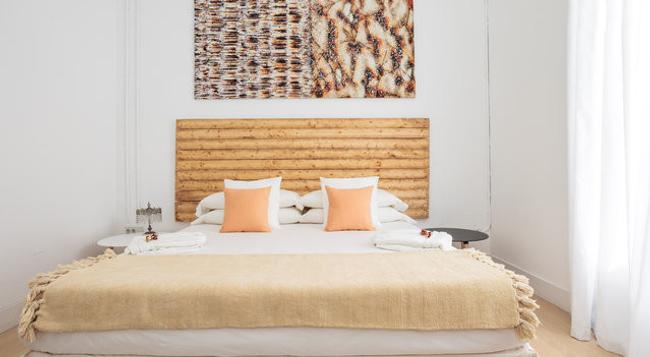 Cami Bed & Gallery - Barcelona - Bedroom