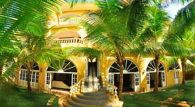 Royal Beach Resort - Induruwa - Building