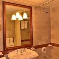 The Wall Street Inn rsz bathroom