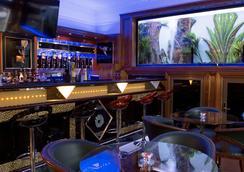 Aspen Apartments - London - Bar