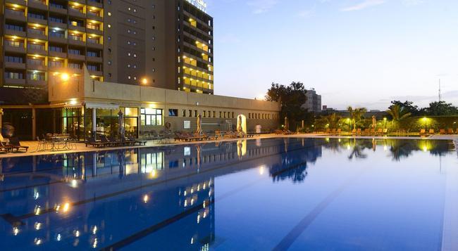 Laico Ouaga 2000 - Ouagadougou - Pool