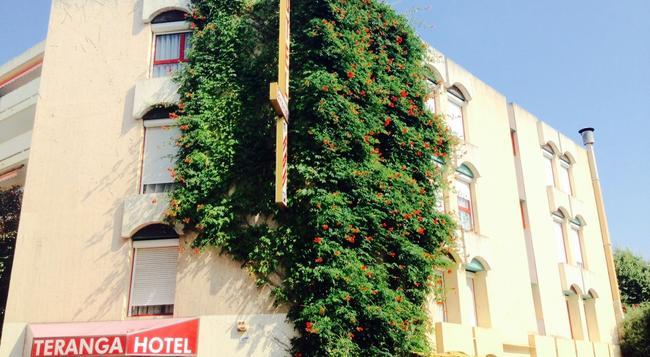 Hotel Teranga - Antibes - Building