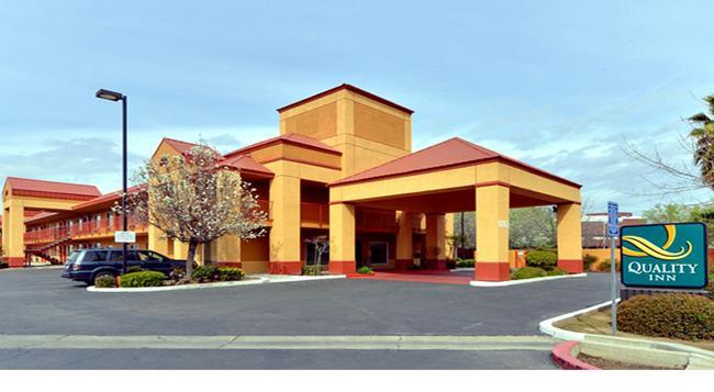 Quality Inn Fresno Near University - Fresno - Building