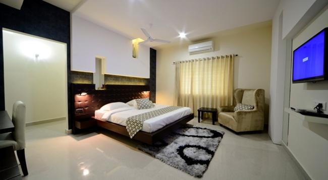 Serenity Inn La Vista - Hyderabad - Bedroom