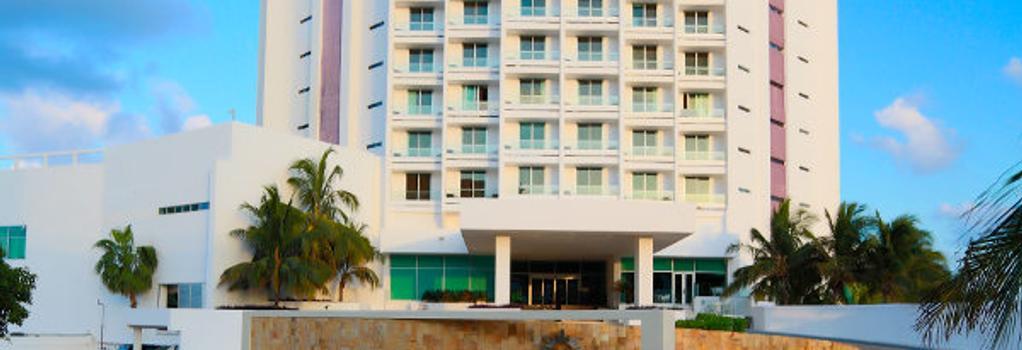 Krystal Grand Punta Cancun - Cancun - Building