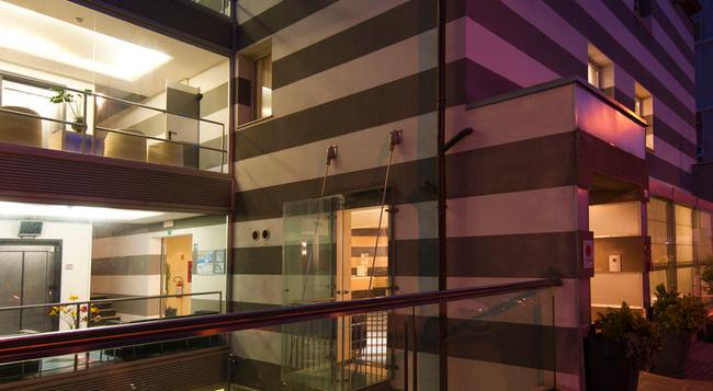 CDH My One Hotel La Spezia - La Spezia - Building