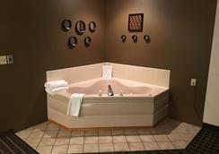 Quincy Inn And Suites - Quincy - Spa