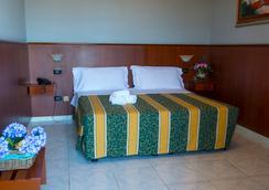 Hotel Dei Pini - Porto Empedocle - Bedroom