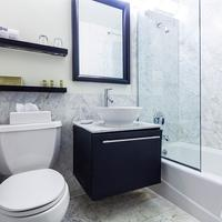 Eurostars Wall Street Bathroom
