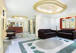 Exe Suites San Marino - Mexico City - Lobby