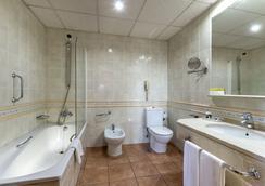 Exe Alfonso VIII - Plasencia - Bathroom